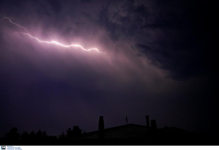 """Καιρός αύριο: Βροχές και καταιγίδες – """"Κερασάκι"""" σκόνη από την Αφρική!"""