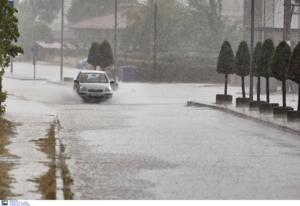 Καιρός: Αγριεύει για τα καλά με βροχές, καταιγίδες και αφρικανική σκόνη