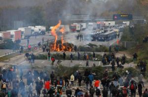Καταλανοί αυτονομιστές απέκλεισαν τον αυτοκινητόδρομο που συνδέει Γαλλία – Ισπανία [Pics]