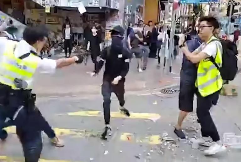 Κίνα: Αστυνομικός πυροβολεί εξ' επαφής διαδηλωτές! ΣΚΛΗΡΕΣ ΕΙΚΟΝΕΣ
