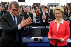 Κομισιόν: Η Ούρσουλα φον ντερ Λάιεν πήρε την έγκριση του Ευρωπαϊκού Κοινοβουλίου
