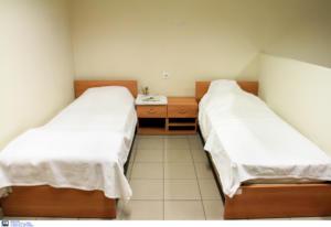 Ρόδος: Έδεσε, βασάνισε και βίασε τη γυναίκα του – Σημεία και τέρατα σε δωμάτιο ξενοδοχείου!