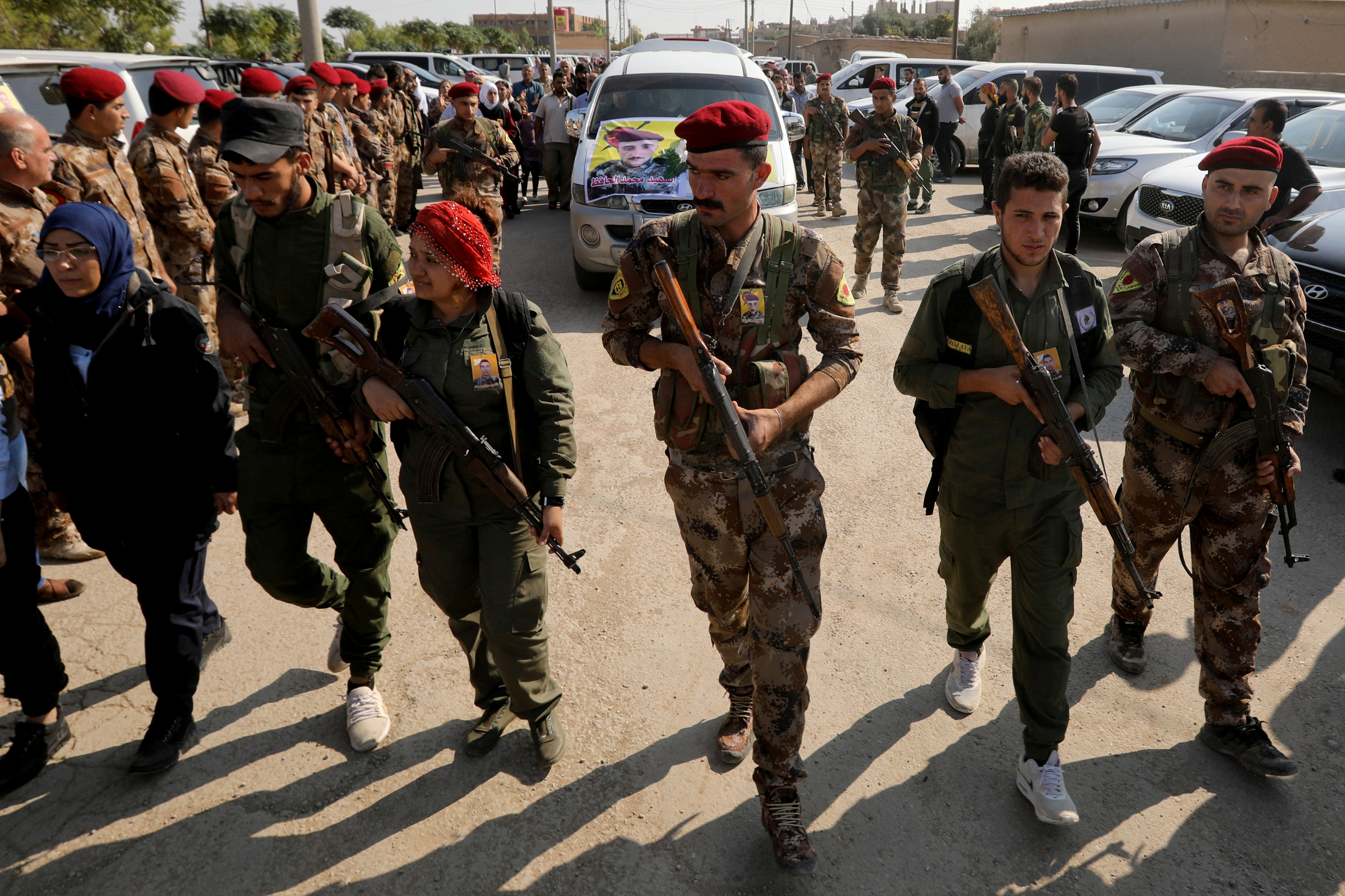 Ρωσία: Καλεί τους Κούρδους μαχητές να καταταχθούν στον στρατό της Συρίας