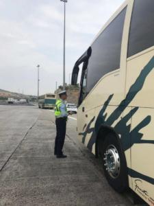 Ξαφνικοί έλεγχοι σε λεωφορεία από την Τροχαία Αττικής αποκάλυψαν εκατοντάδες παραβάσεις!