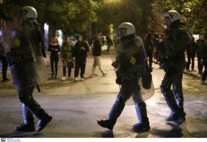 Αστυνομία: Δικό μας το αυτοκίνητο στα Εξάρχεια – Δεν κάνουμε παρακολουθήσεις πολιτών