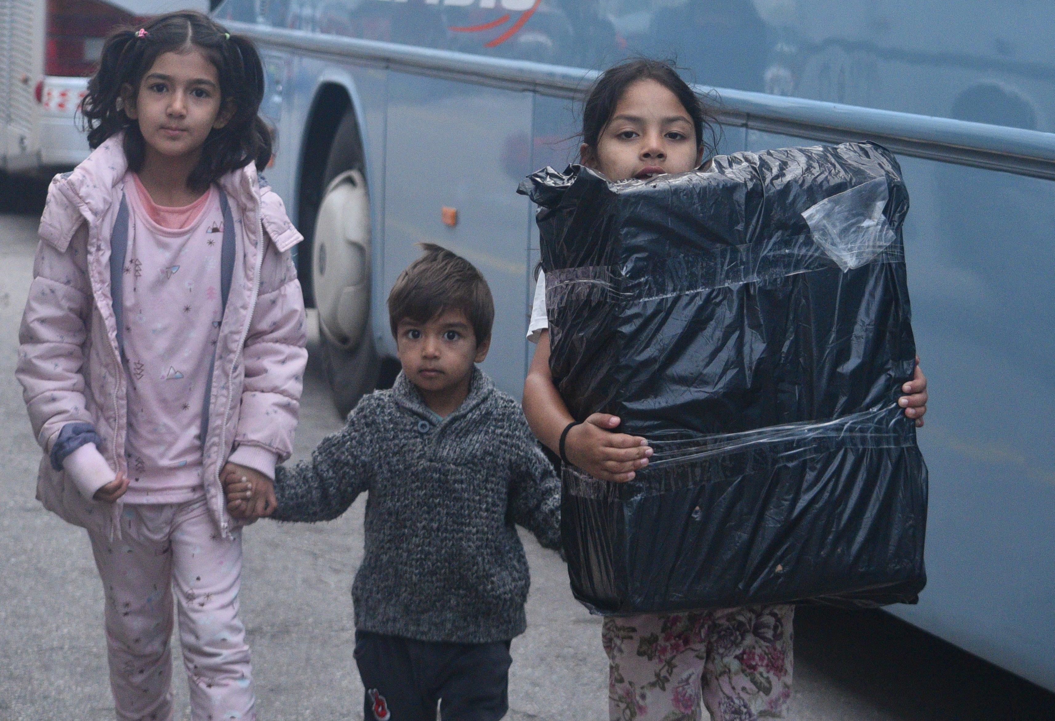 Πειραιάς: Στο λιμάνι 76 πρόσφυγες και μετανάστες από Χίο και Μυτιλήνη