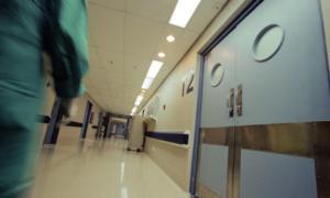 Ηλεία: Στην εντατική παραμένει ο 12χρονος που έπεσε σε φωταγωγό