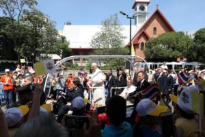 Μήνυμα του πάπα Φραγκίσκου στη Ταϊλάνδη: Να προστατευτούν τα παιδιά που πέφτουν θύματα σεξουαλικής εκμετάλλευσης