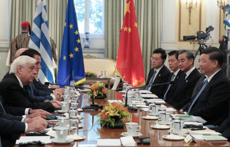 Παυλόπουλος σε Σι Τζινπίνγκ: Αναβαθμίζεται η σχέση Ελλάδας – Κίνας που ξεκίνησε επί Καραμανλή