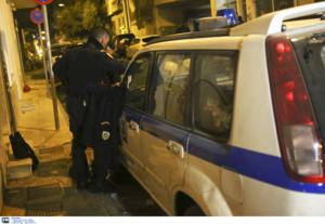 Θεσσαλονίκη: Πάλεψαν για ένα κινητό τηλέφωνο – Έβγαλε μαχαίρι αλλά οι περαστικοί δεν έμειναν απαθείς!