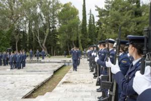 Σε κλίμα συγκίνησης η Πολεμική Αεροπορία τίμησε τους πεσόντες της [pics]