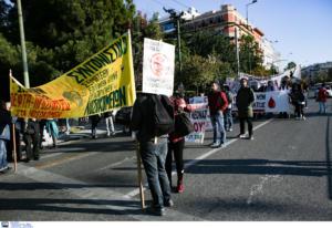 Κλειστά τα πάντα στο κέντρο της Αθήνας – Κόλαση στους δρόμους