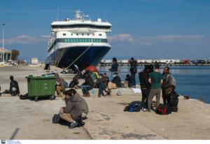 Έφτασαν στον Βόλο οι πρώτοι πρόσφυγες από νησιά του Αιγαίου