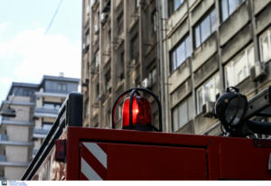 Φωτιά σε υπόγειο πολυκατοικίας στο Παγκράτι