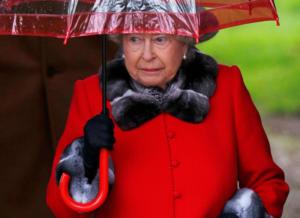 Αδειάζει την γκαρνταρόμπα της η Βασίλισσα Ελισάβετ! Τι δεν θα ξαναφορέσει;