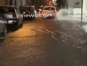 Καιρός: Ήρθε, σάρωσε, έφυγε! Δρόμοι ποτάμια στην Αθήνα! video
