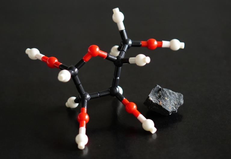 Εξωγήινα σάκχαρα βασικά για τη ζωή ανιχνεύθηκαν για πρώτη φορά σε μετεωρίτες