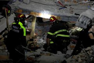 Σεισμός στην Αλβανία: Τους 31 έφτασαν οι νεκροί – Αγωνία για τους εγκλωβισμένους
