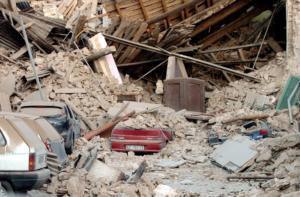 Σεισμός Λ' Άκουιλα: Ένα βήμα πριν τη δικαίωση η οικογένεια του Βασίλη Κουφολιά – Τι λέει η μητέρα του