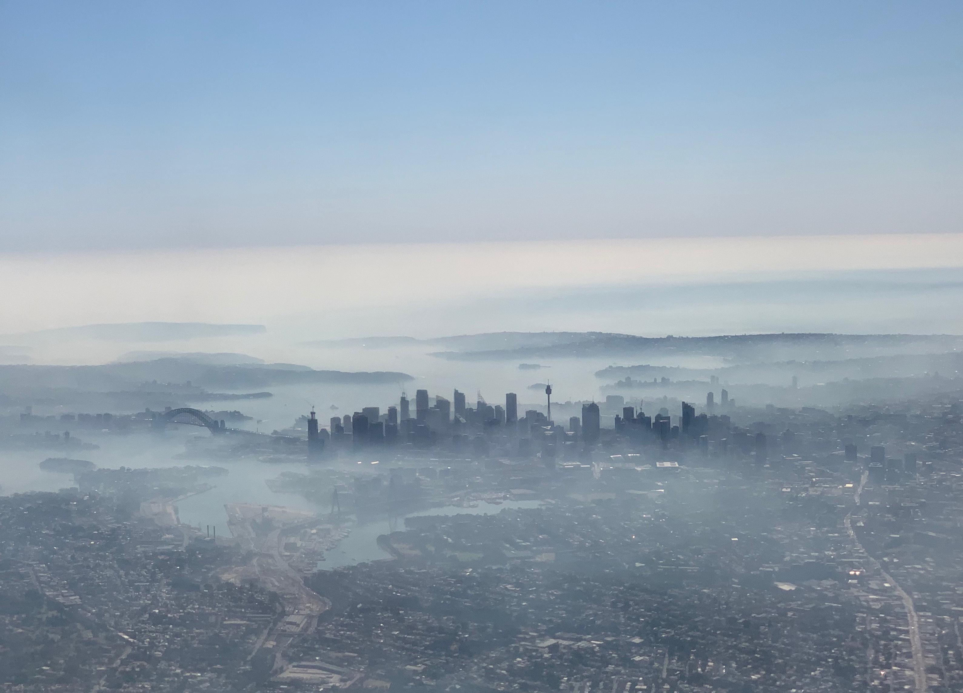 Πνίγεται στο νέφος εξαιτίας των πυρκαγιών το Σίδνεϊ! Στα ύψη η ατμοσφαιρική μόλυνση – pic