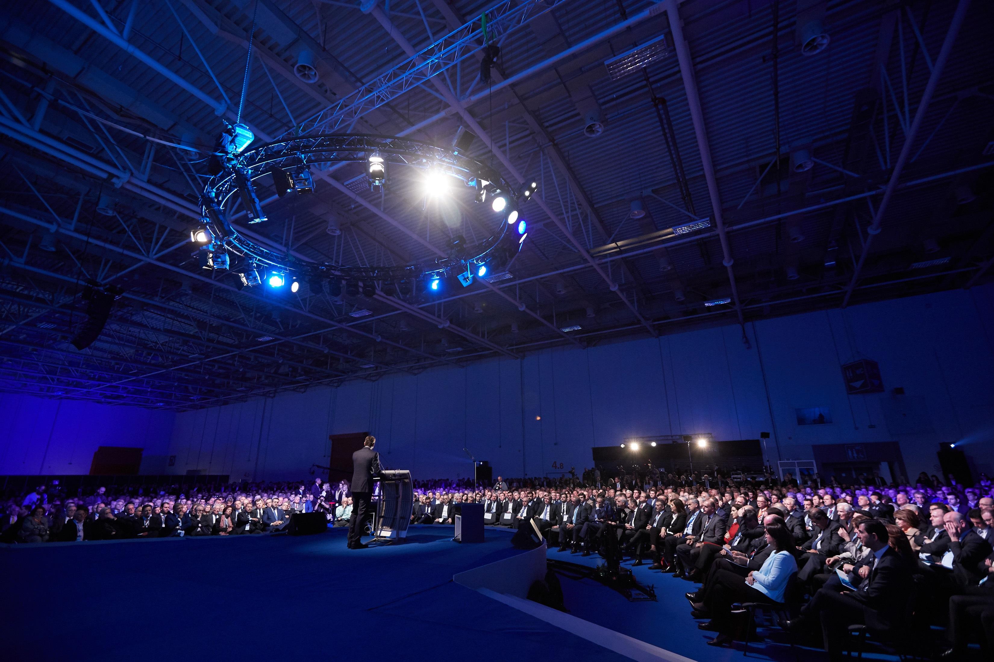 Όλα για το 13ο Συνέδριο της ΝΔ που ξεκινάει απόψε - Οι διεθνείς παρουσίες, η ανακύκλωση και ο νυχτερινός αγώνας δρόμου!