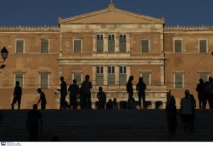 ΝΔ για ελάχιστο εγγυημένο εισόδημα: Ο Μητσοτάκης κατοχυρώνει συνταγματικά το μέτρο που πολέμησε ο ΣΥΡΙΖΑ