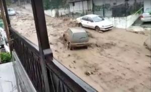 Θάσος: Δραματική η κατάσταση στο νησί – Χείμαρροι οι δρόμοι