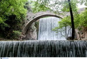 Τρίκαλα: Επισκευάζουν και συντηρούν τρεις ιστορικές γέφυρες – Το έργο ύψους 8.200.000 ευρώ!