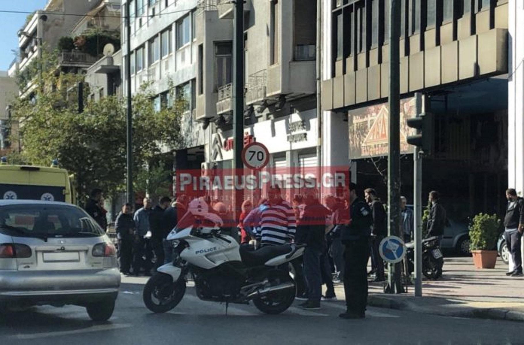 Τροχαίο με τρεις τραυματίες στη Συγγρού – Μηχανή παρέσυρε γιαγιά και εγγονό
