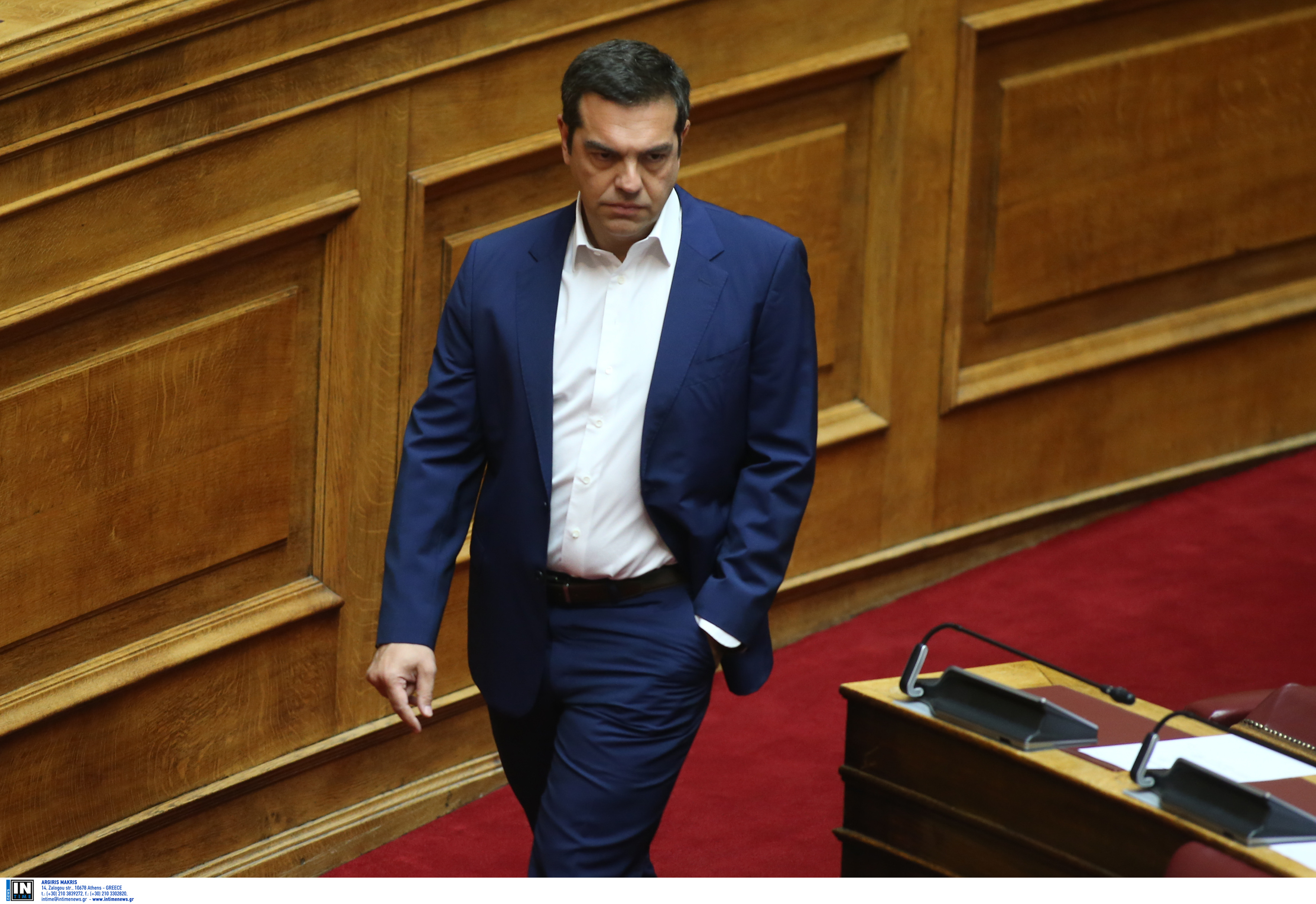 """Στην πορεία για το Πολυτεχνείο ο Τσίπρας - """"Παλιοί υμνητές της χούντας σε κυβερνητικούς θώκους"""""""