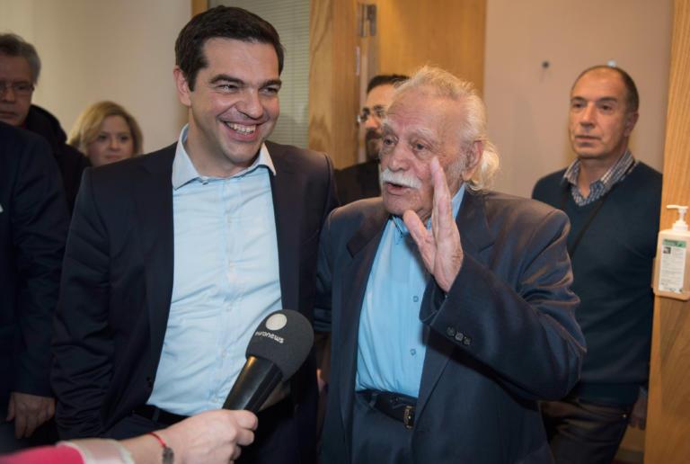 Ο Αλέξης Τσίπρας επισκέφτηκε τον Μανώλη Γλέζο