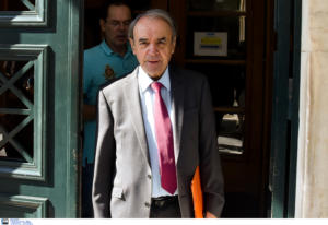 Οργή Τσοβόλα – Του απαγόρευσαν να κάνει δηλώσεις στο περιστύλιο της Βουλής