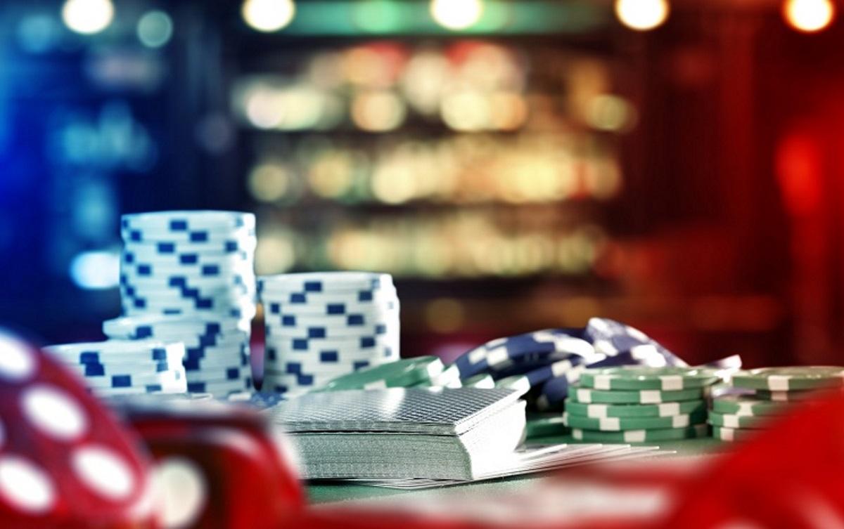 Εντοπίστηκε μίνι καζίνο στο Νέο Κόσμο – Συνελήφθησαν 18 άτομα