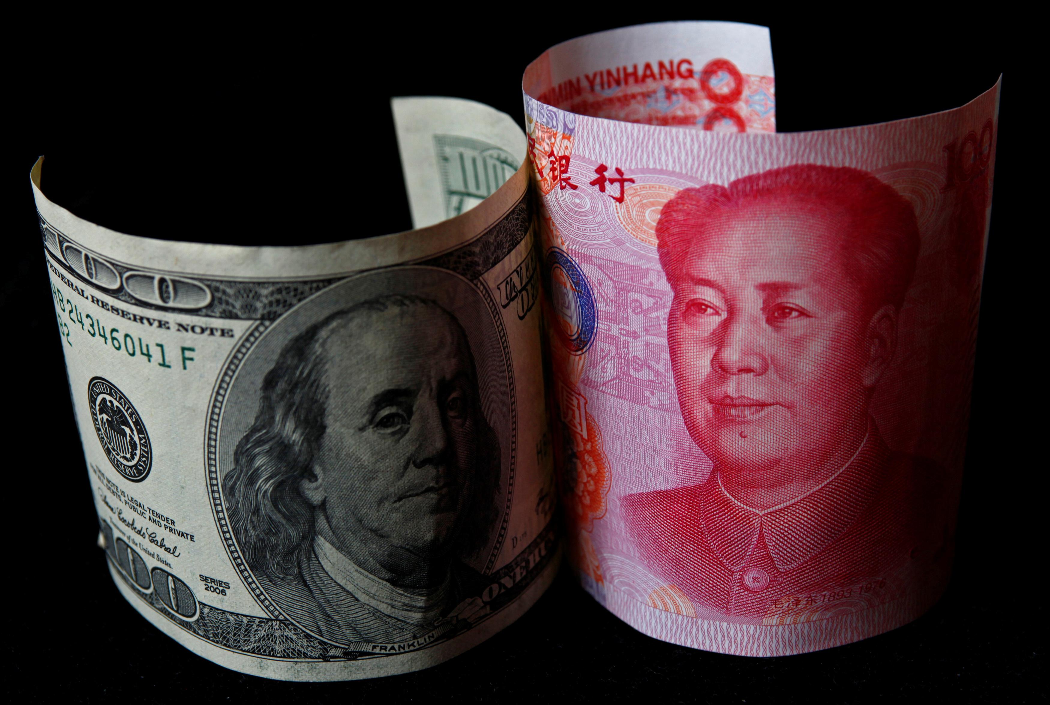 Συμβιβασμό στον εμπορικό πόλεμο ΗΠΑ – Κίνας βλέπει ο Κινέζος πρώην ΥΠΟΙΚ