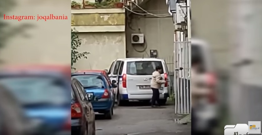 Video ντοκουμέντο: Αστυνομικός διοικητής κλέβει την ανθρωπιστική βοήθεια για τους σεισμόπληκτους της Αλβανίας!