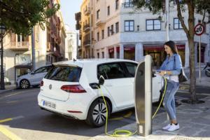 Οικονομικά κίνητρα από την Volkswagen, για την αγορά ηλεκτρικού αυτοκινήτου