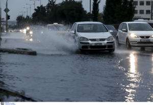 Καιρός: Βροχές και καταιγίδες πριν το… ατμοσφαιρικό μποτιλιάρισμα