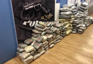 ΕΛΑΣ: Καταστράφηκαν τουλάχιστον δύο τόνοι χασίς και άλλα ναρκωτικά! Πάνω από 14.000 συλλήψεις