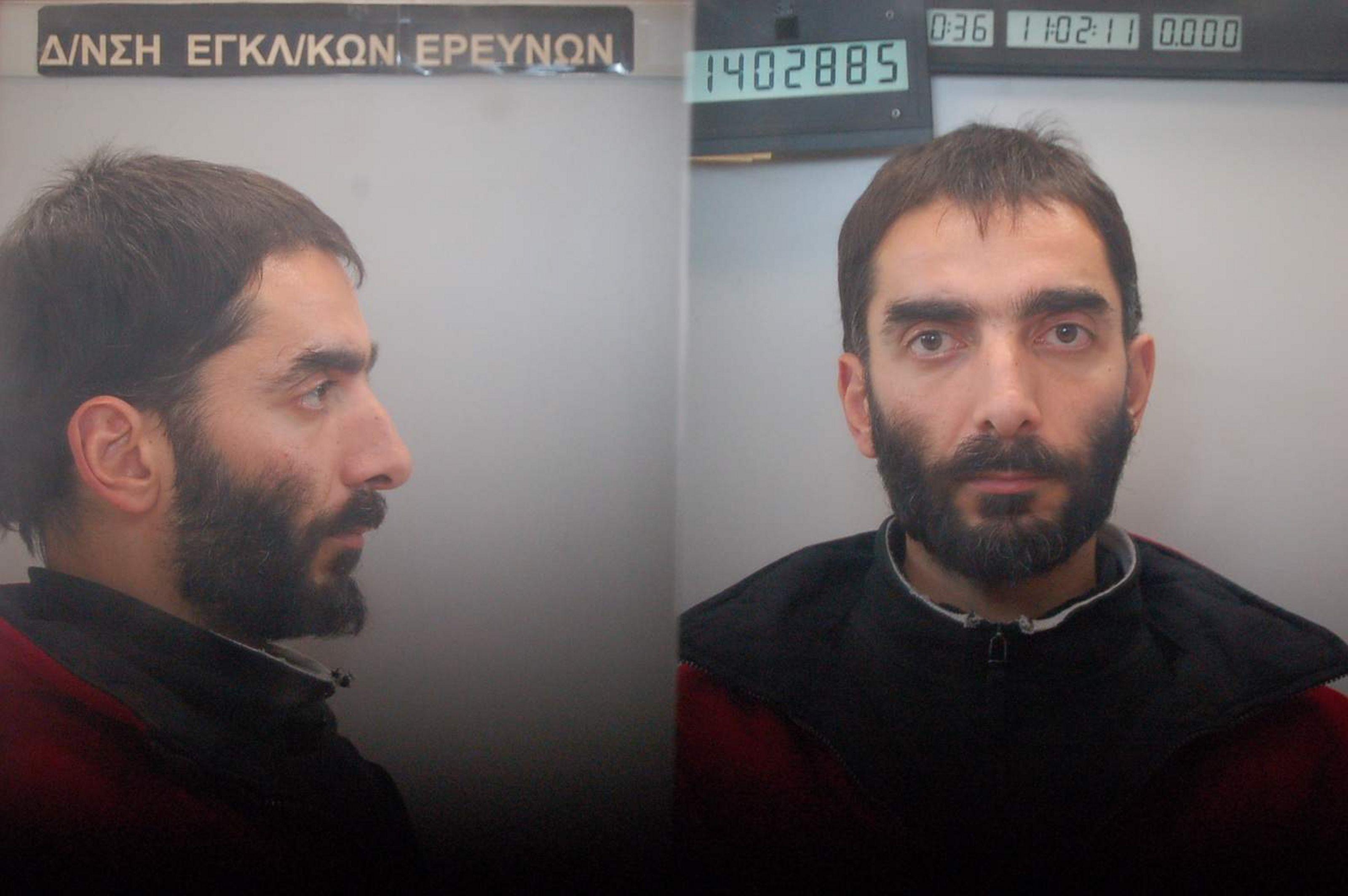 """""""Εμφανίστηκε"""" ο καταζητούμενος για την Επαναστατική Αυτοάμυνα – Από internet cafe ανέβασε το κείμενο ο Χατζηβασιλειάδης"""