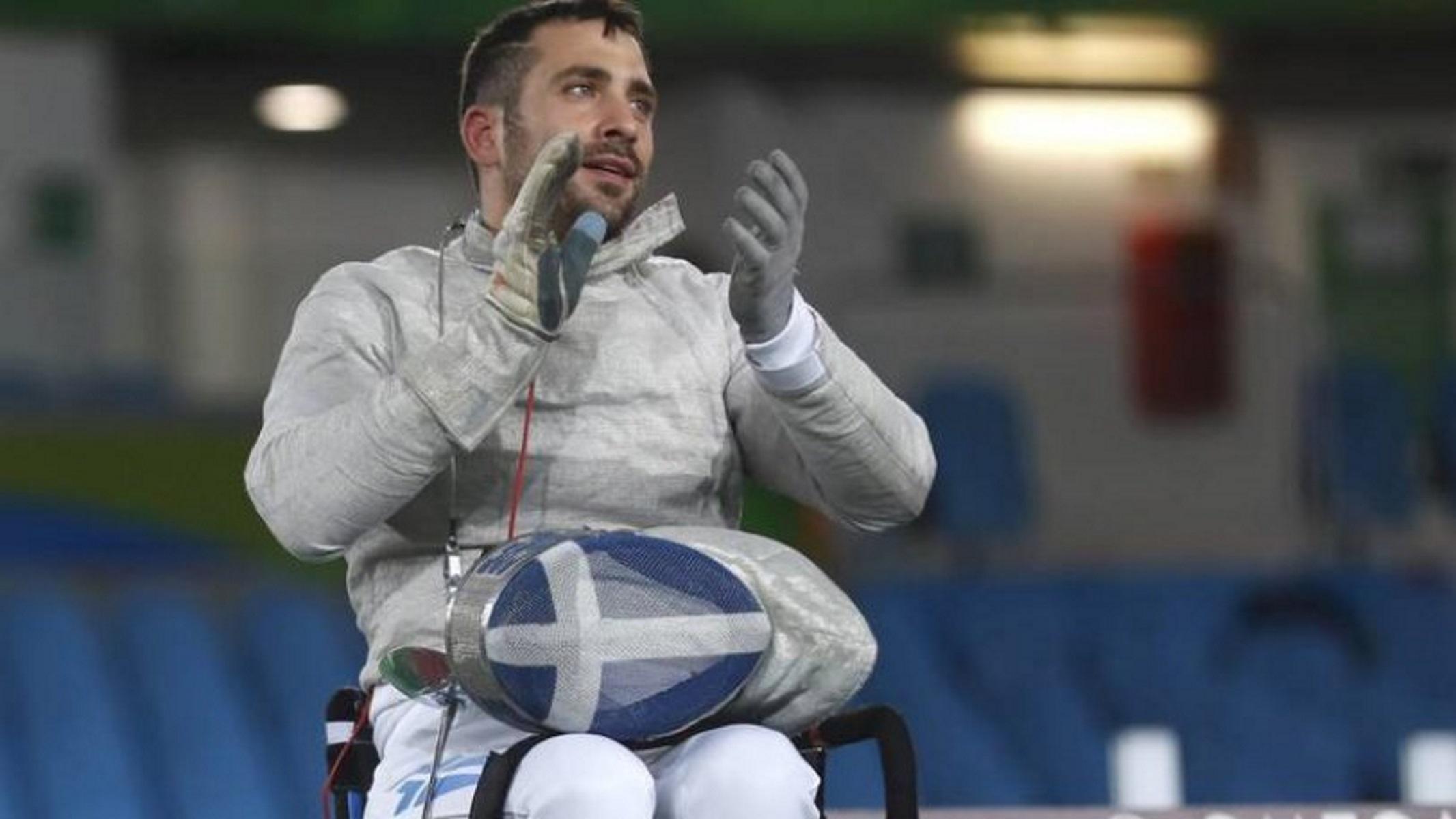 """""""Χρυσός"""" ο Πάνος Τριανταφύλλου στο Παγκόσμιο Κύπελλο ξιφασκίας με αμαξίδιο"""