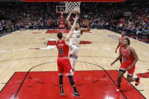 """Μιλγουόκι Μπακς: """"Περίπατος"""" στο Σικάγο με """"διπλό"""" Αντετοκούνμπο! Τα αποτελέσματα στο NBA (video)"""