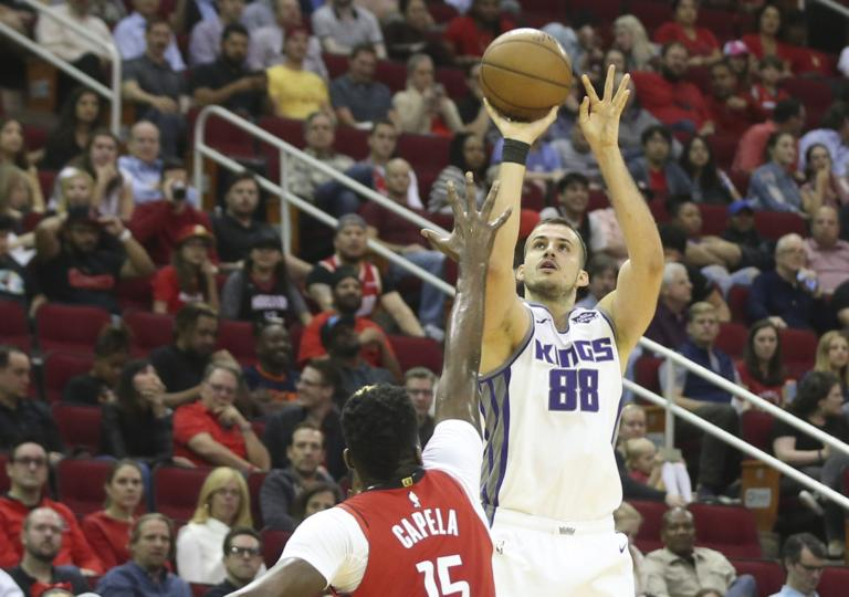 "NBA: Ο Μπιέλιτσα ""γλέντησε"" τον… αλαζόνα Γουέστμπρουκ! Το buzzer beater που έκρινε τον αγώνα"