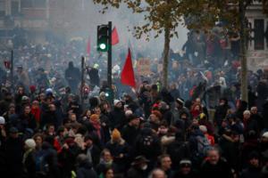 Γαλλία: Περισσότεροι από 1,5 εκ. διαδηλωτές κατά του νέου συνταξιοδοτικού!