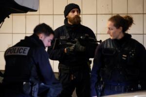 Παρίσι: Γυναίκα οδηγός μαχαίρωσε δύο πεζές μετά από καβγά!