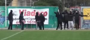 Εισβολή κουκουλοφόρων σε ποδοσφαιρικό αγώνα Τοπικού στη Μακεδονία! [video]