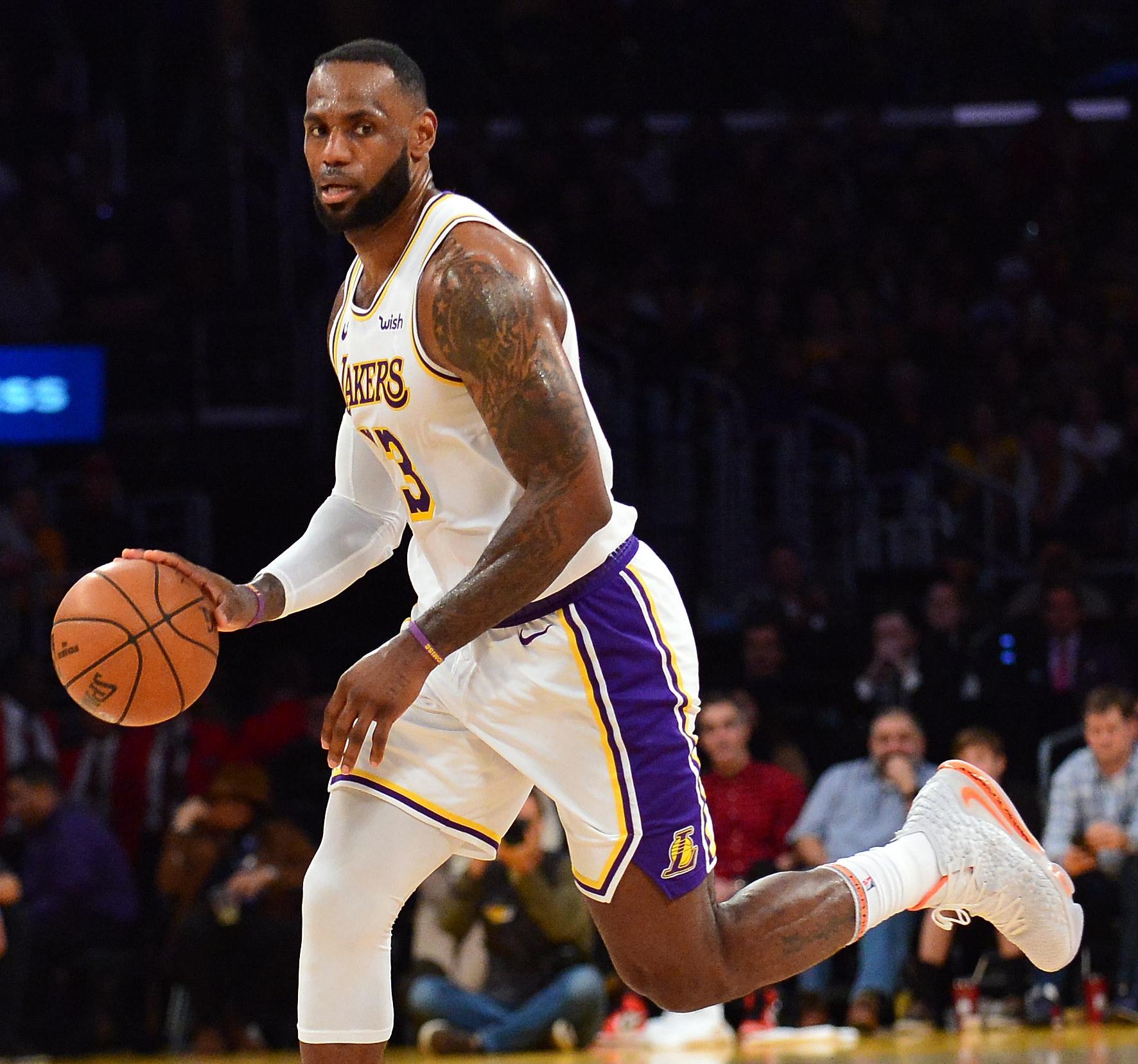 """""""Πάρτι"""" Λεμπρόν στα γενέθλιά του! """"Λύγισε"""" τους Μάβερικς του Ντόνσιτς – Τα αποτελέσματα στο NBA (video)"""