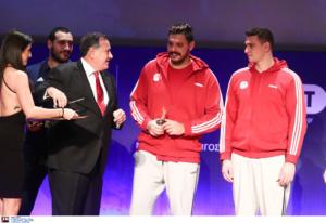 ΠΣΑΤ: Τσιτσιπάς, Στεφανίδη και Ολυμπιακός πήραν τα βραβεία των… κορυφαίων!