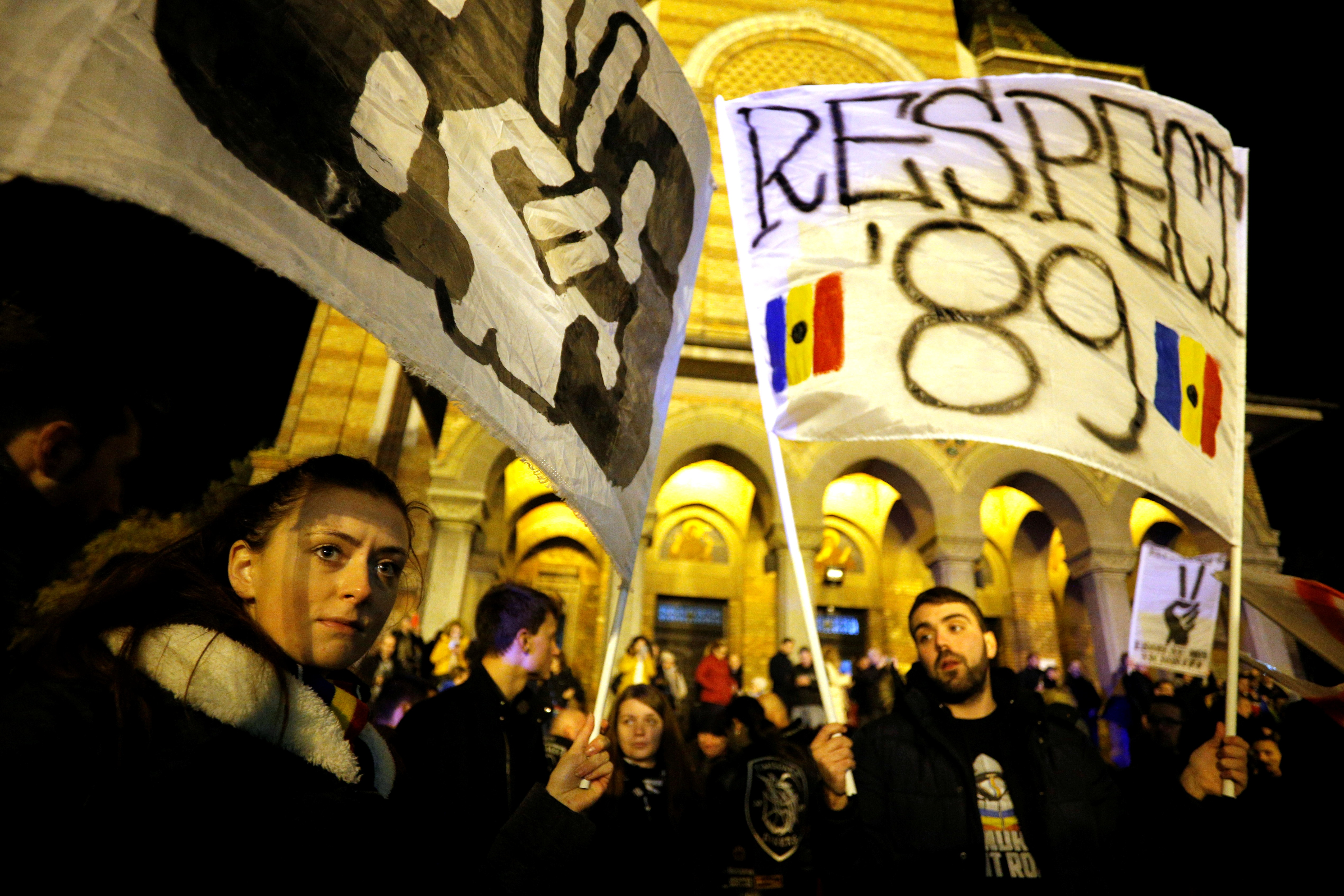 Ρουμανία: Φωτογραφική έκθεση για τα ματωμένα Χριστούγεννα που άλλαξαν την Ιστορία!