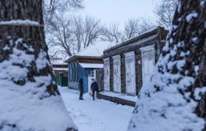 Ρωσία: Για φόνο εκ προμελέτης δύο αδελφές που σκότωσαν τον πατέρα τους επειδή τις κακοποιούσε!