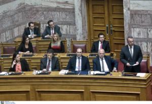 Σταϊκούρας: Τροπολογία για φάρμακα, αυτοκίνητα, μεταγραφές αθλητών